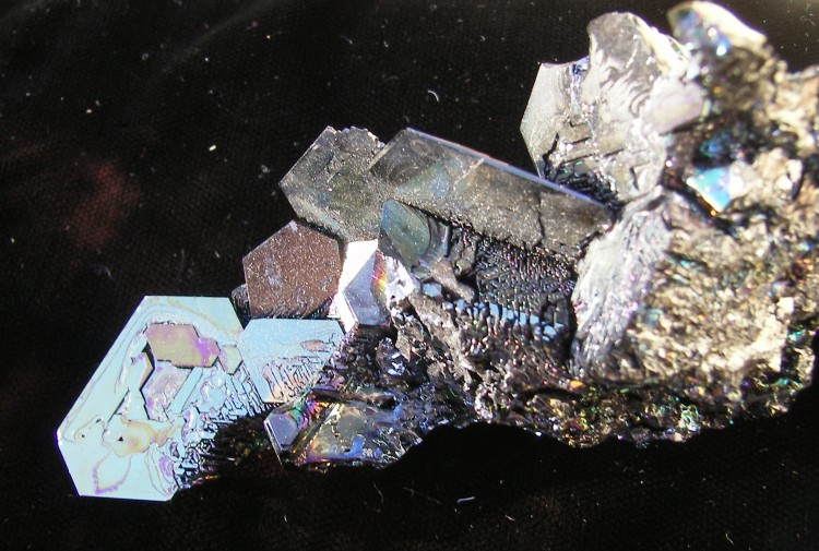 Silicon Carbide Crystals for Display - Niagara Falls, NY - For Sale